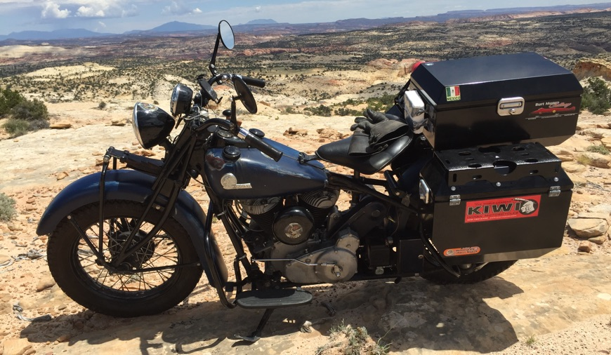 Mike 'Kiwi' Tomas: 1944 Indian Chief with ODYSSEY II Panniers and Top-Box